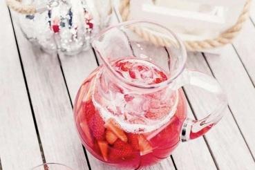 Recette Thé glacé fraise et rhubarbe