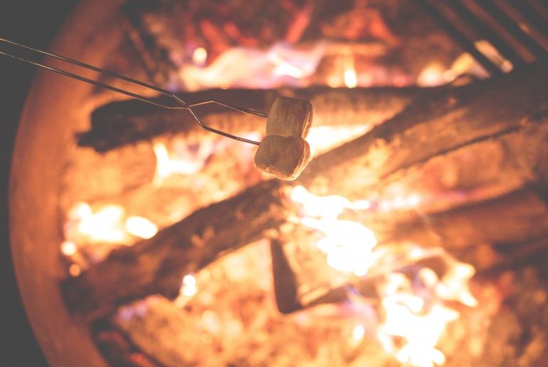 une soirée de juin au coin du feu
