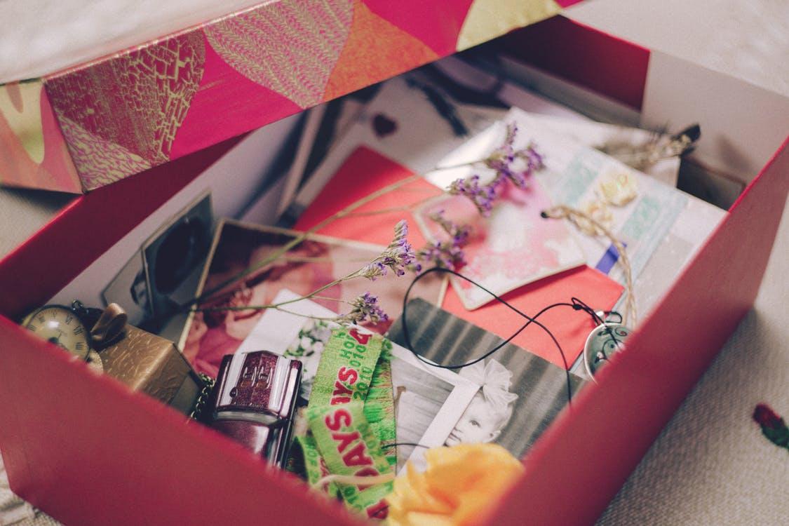 Une boite à souvenirs et à photos hygge