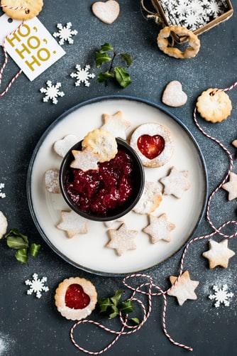 Préparer des cookies de Noël